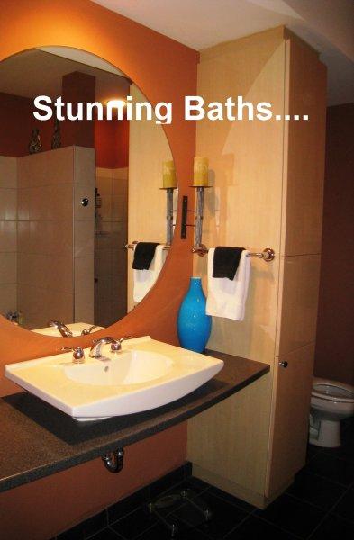805 Peachtree Condominiums Bathroom