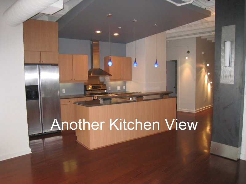 805 Peachtree Condominiums Kitchen