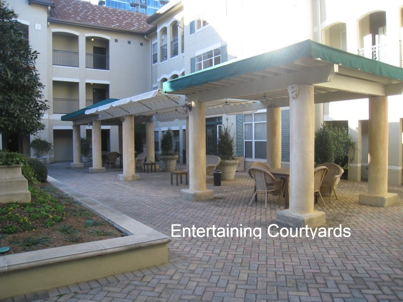 tuscany-condominiums-courtyards